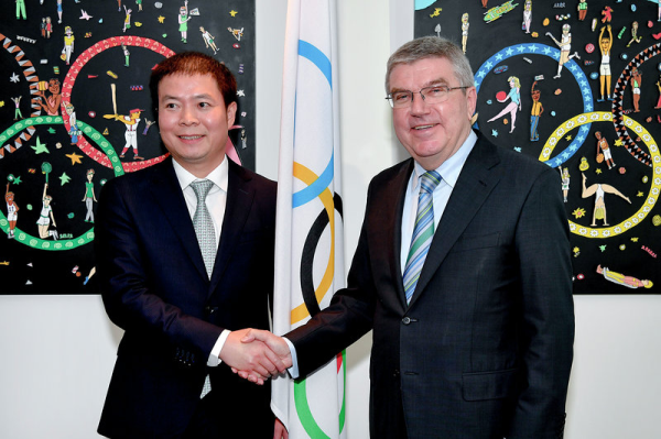 期待中国体育品牌走向世界:国际奥委会主席巴赫接见舒华