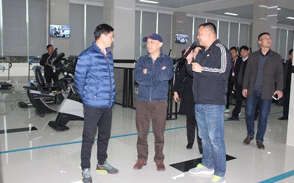 中国滑冰协会副主席、中国极限运动协会副主席莅临舒华商丘生产基地考察